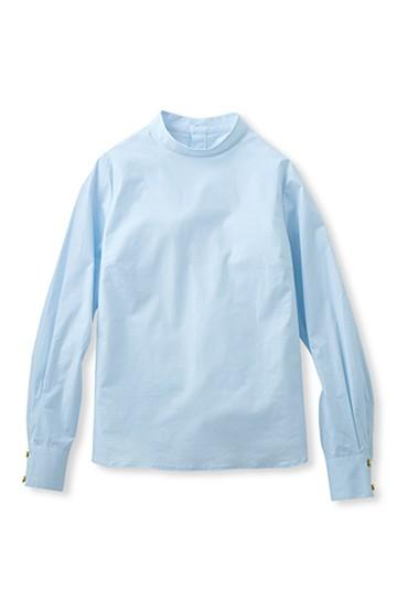 エムトロワ 後ろボタンのきれいめハイネックシャツ <ライトブルー>の商品写真
