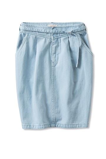 nusy こだわりタックがかわいいコクーン型デニムスカート <ライトブルー>の商品写真