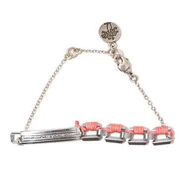 haco! てとひとて LATONKINOISE à Paris Bracelet vintage chain and fluo yarn <シルバー×ライトピンク>の商品写真