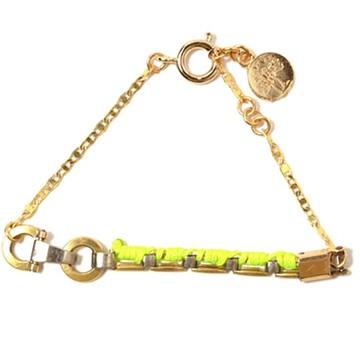 haco! てとひとて LATONKINOISE à Paris Bracelet vintage chain and fluo yarn <ゴールド×イエロー>の商品写真