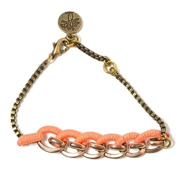 haco! てとひとて LATONKINOISE à Paris Bracelet vintage chain and fluo yarn <アンティークゴールド×コーラル>の商品写真