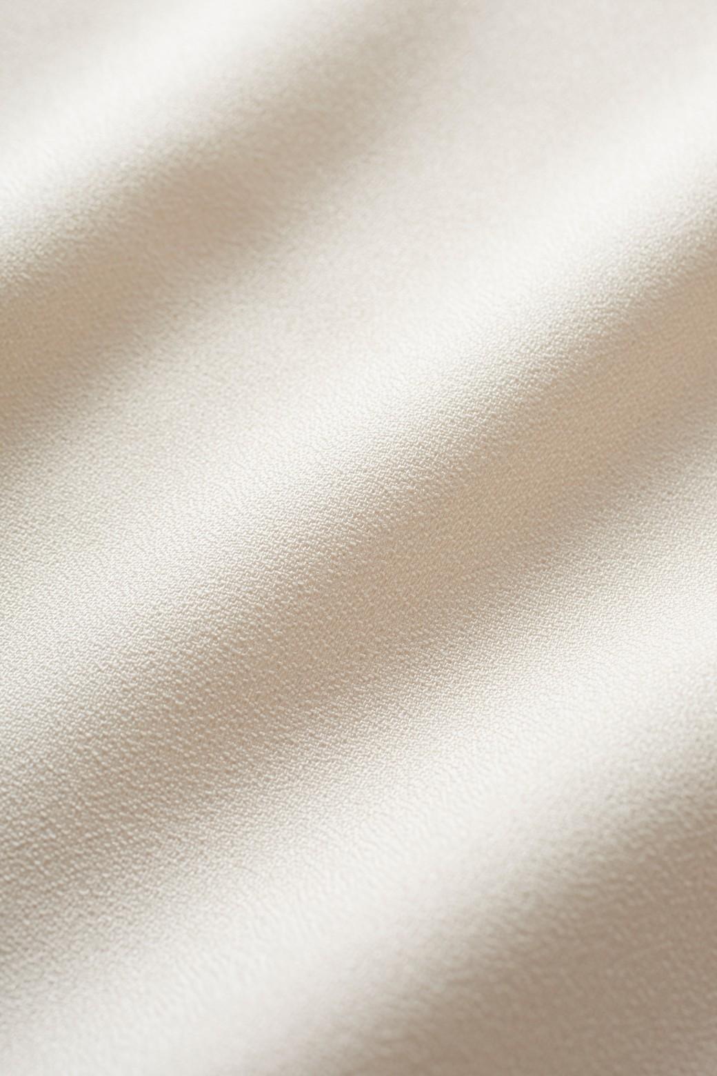 エムトロワ ラッフルスリーブのきれいめTブラウス <ピンクベージュ>の商品写真2