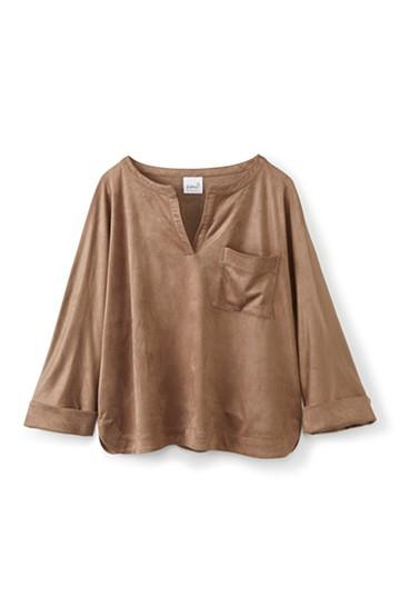 エムトロワ フェイクスエードのしなやかスキッパーシャツ <ライトブラウン>の商品写真