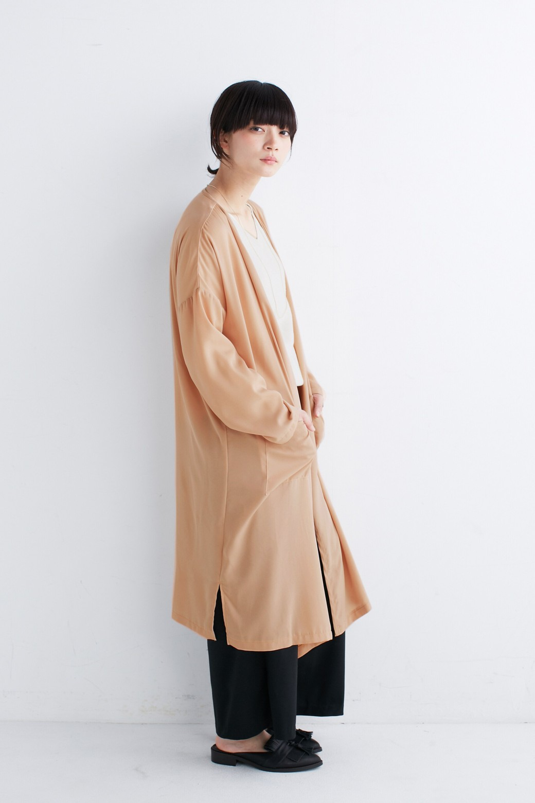 nusy ニュアンスカラーのロングてろりんガウンコート <ベージュ>の商品写真6