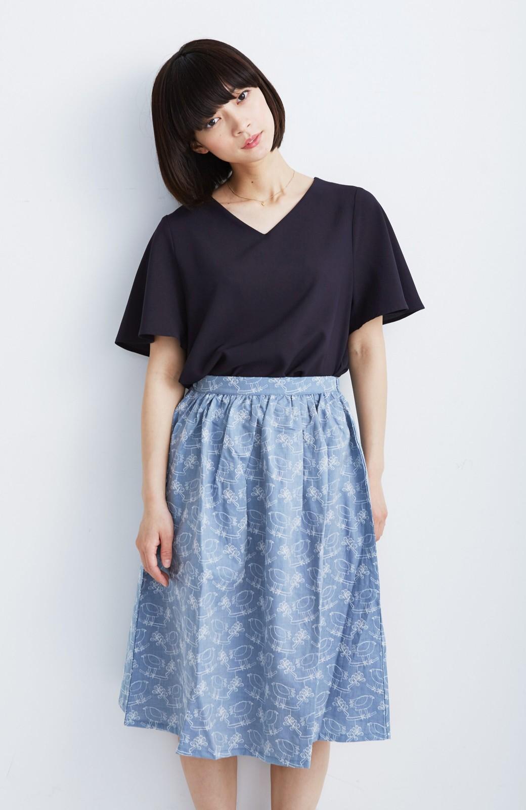 haco! UNICOLART OHTA KOSUKE 鳥と葉っぱ 総刺しゅう布のスカート <ブルー>の商品写真1