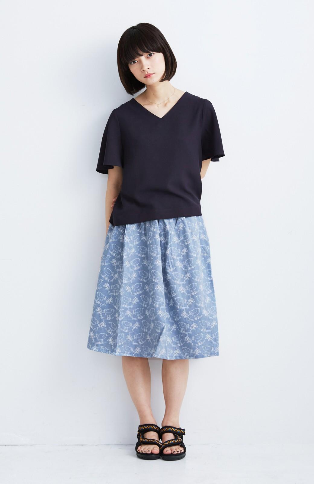 haco! UNICOLART OHTA KOSUKE 鳥と葉っぱ 総刺しゅう布のスカート <ブルー>の商品写真4