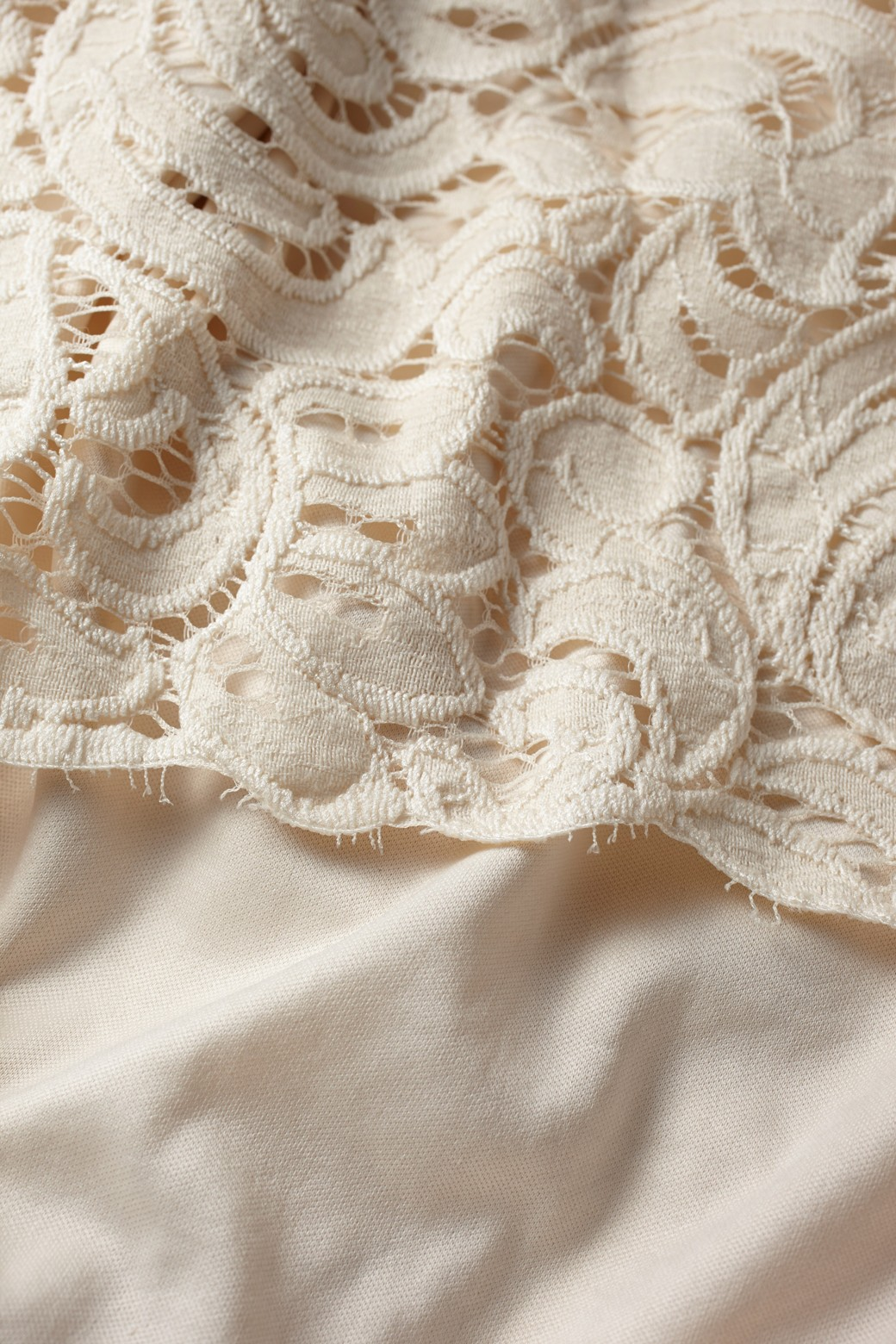 エムトロワ オトナレースのタイトスカート <アイボリー>の商品写真2