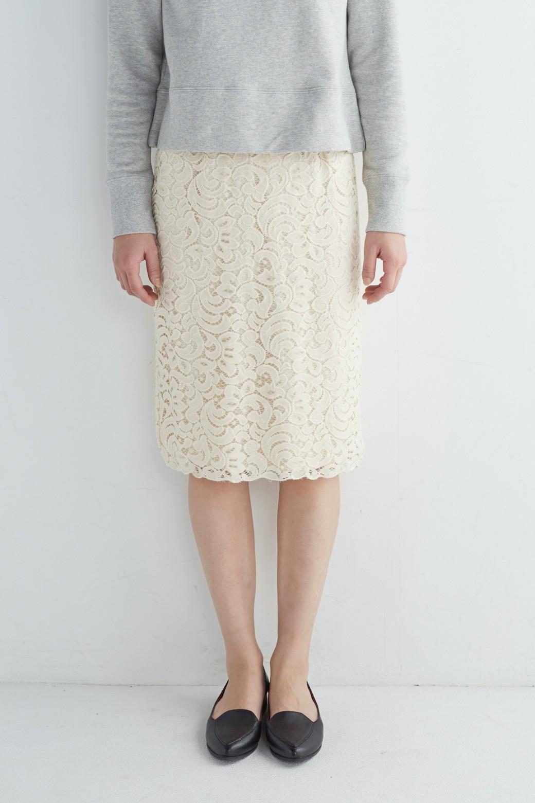 エムトロワ オトナレースのタイトスカート <アイボリー>の商品写真13