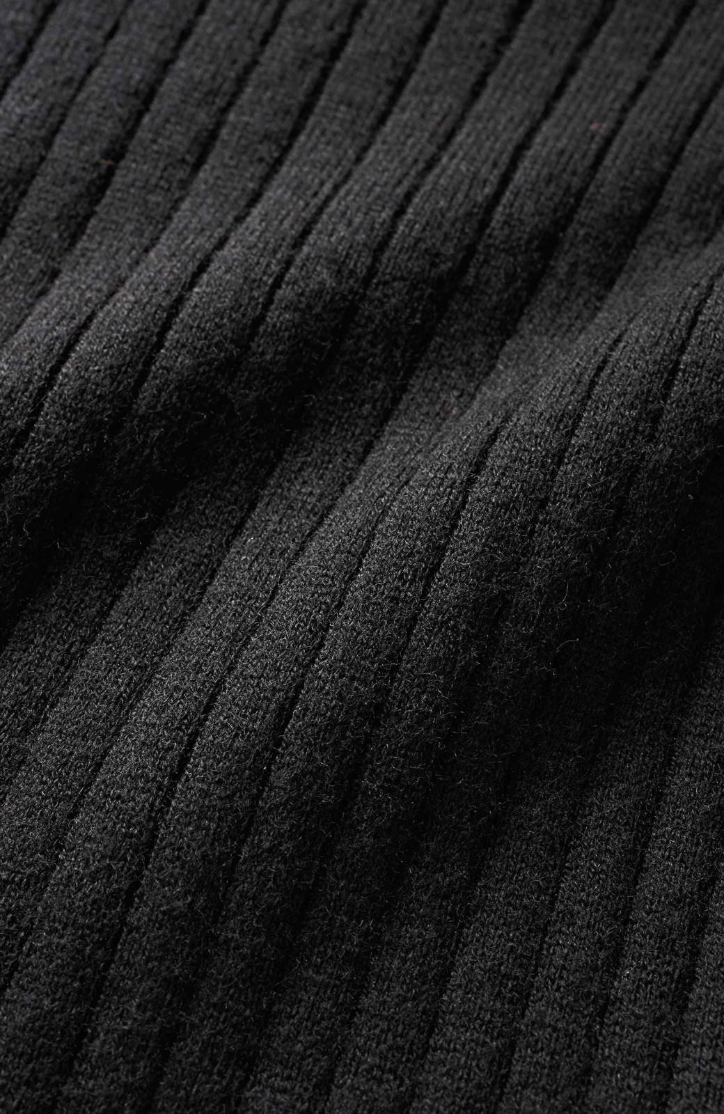 エムトロワ ワイドリブの気持ちいいカシミア混タートルニット <ブラック>の商品写真3
