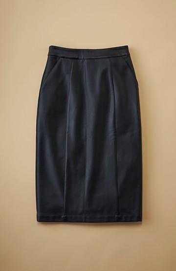 haco! どんなにカジュアルなものを合わせても女らしくなれる、フェイクレザーのタイトスカート by que made me <ブラック>の商品写真