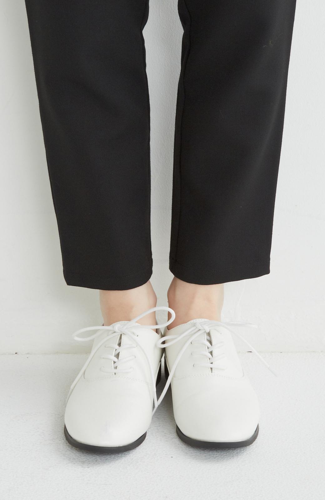nusy とりあえず迷った日に履いて間違いがない ベーシックレースアップシューズ <ホワイト>の商品写真2