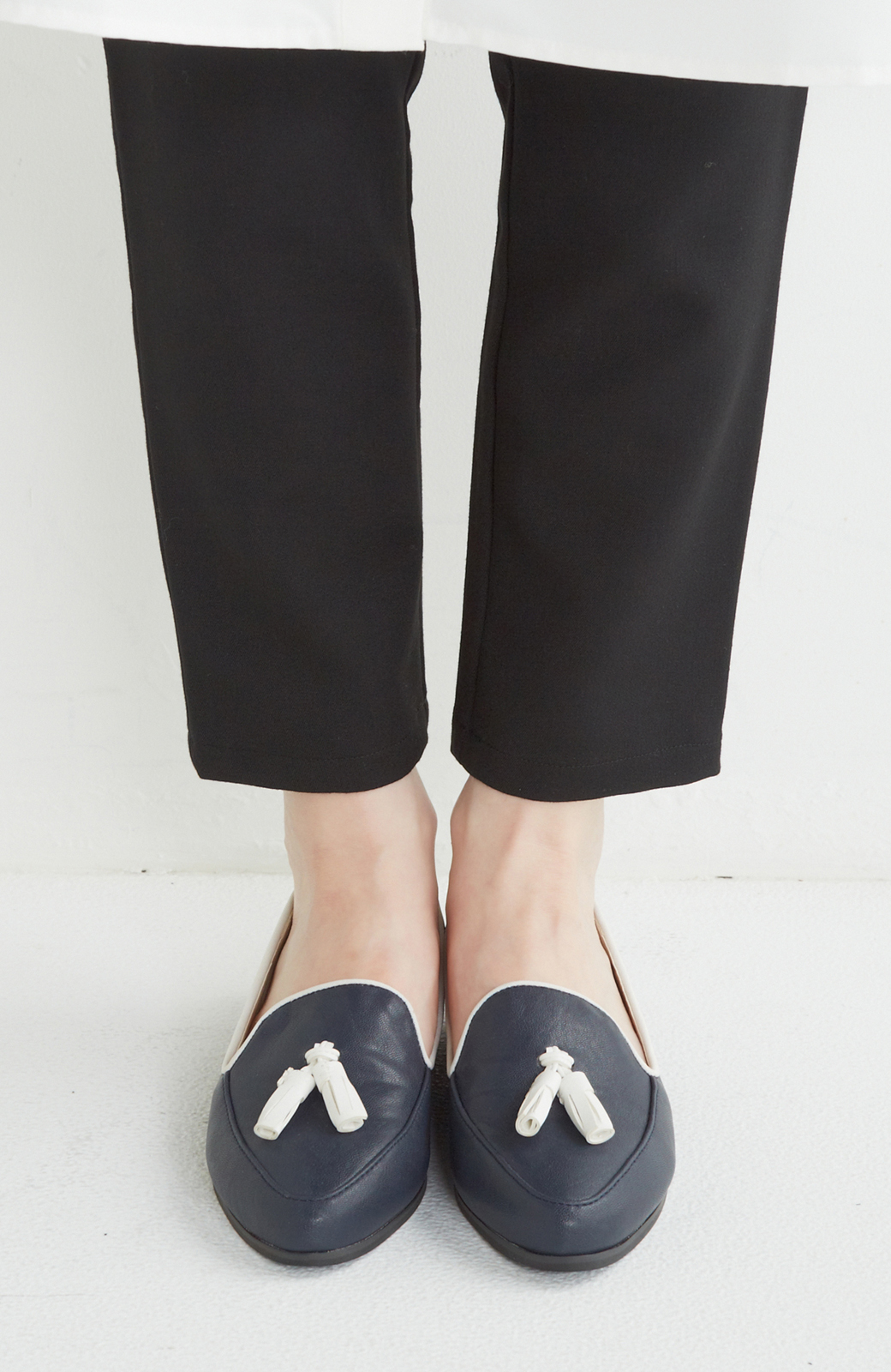 nusy 【mer11月号】足もとポイントのタッセルフラットシューズ <ネイビー>の商品写真1