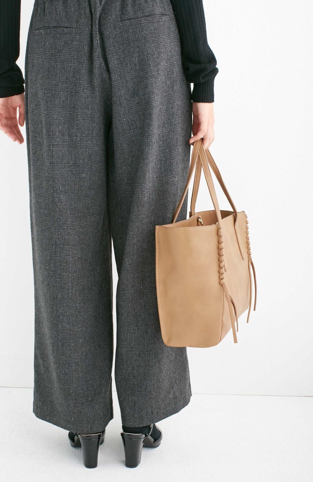 エムトロワ 編み込みデザインがかわいいフェミニントートバッグ <ベージュ>の商品写真11