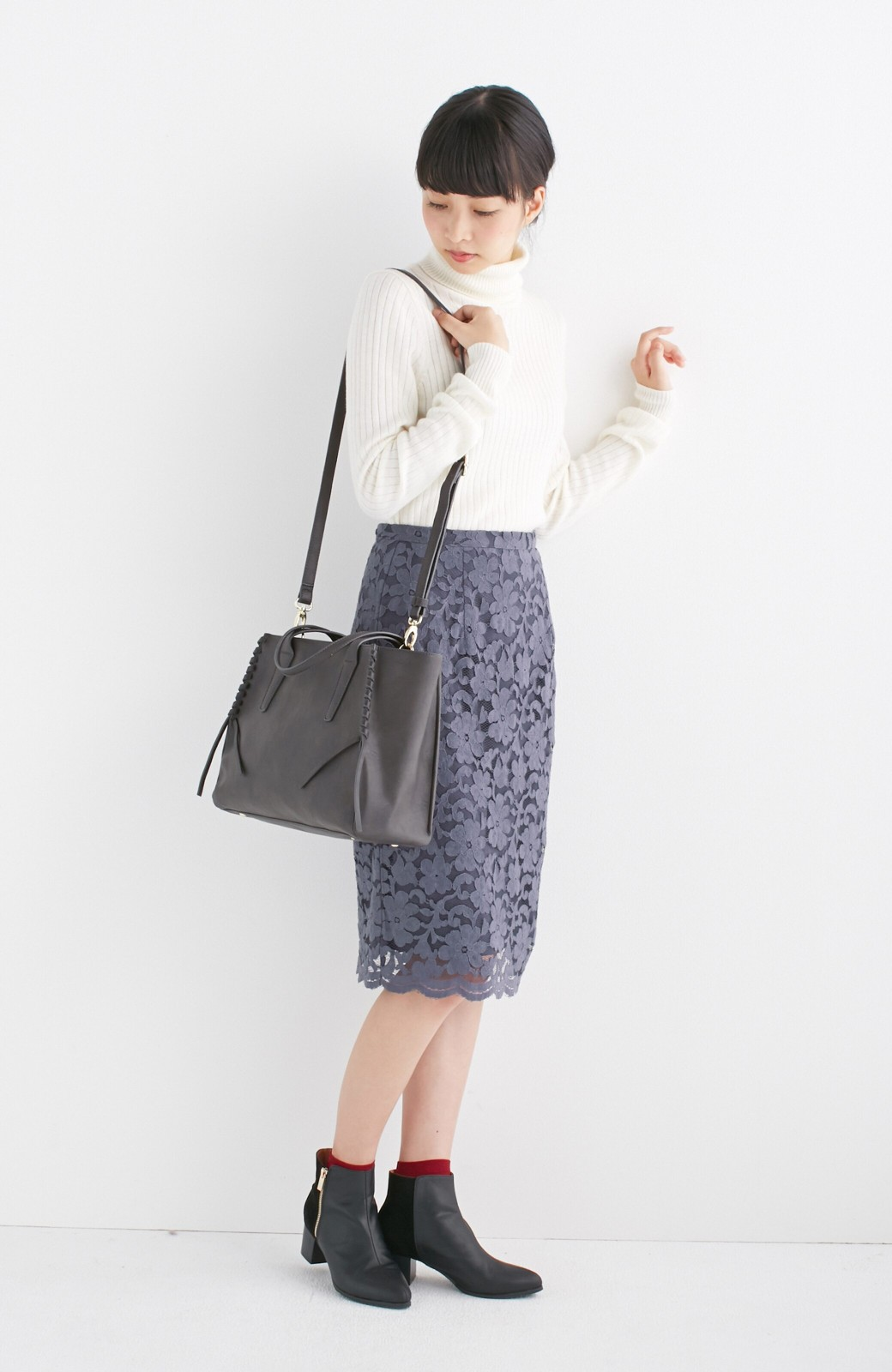 エムトロワ 編み込みデザインがかわいいフェミニントートバッグ <チャコールグレー>の商品写真5