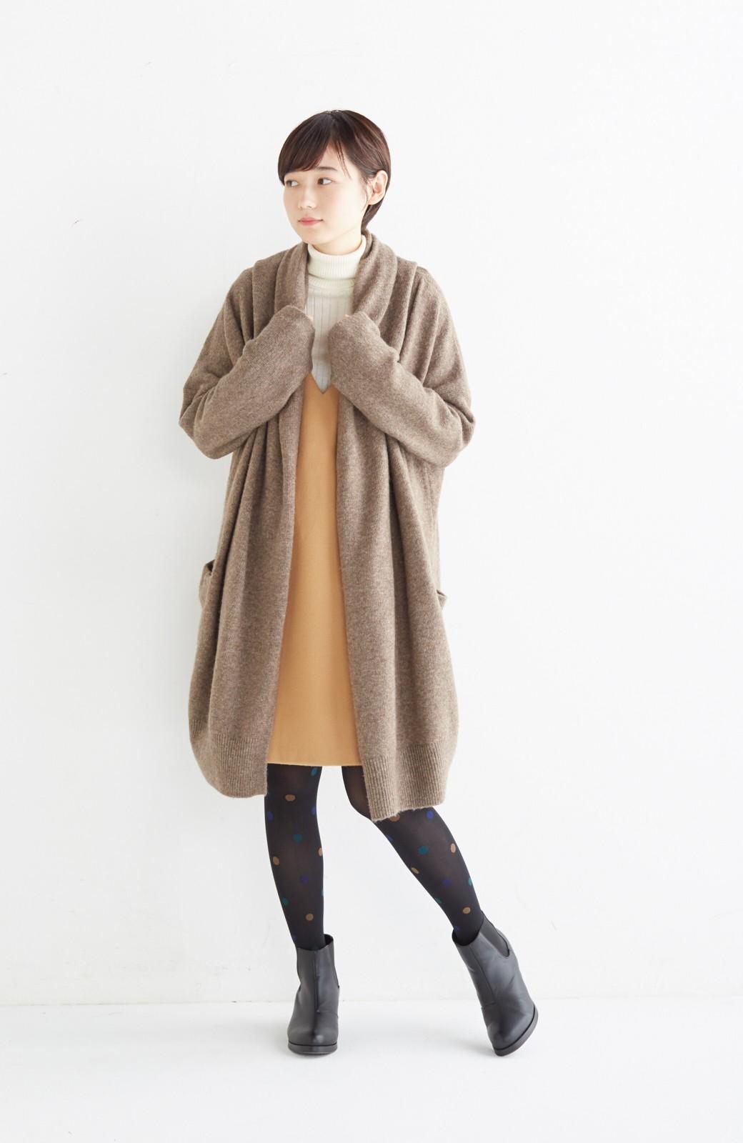エムトロワ ぱっと羽織るのに便利な軽くてあったかいニットガウンコート <ブラウン>の商品写真1