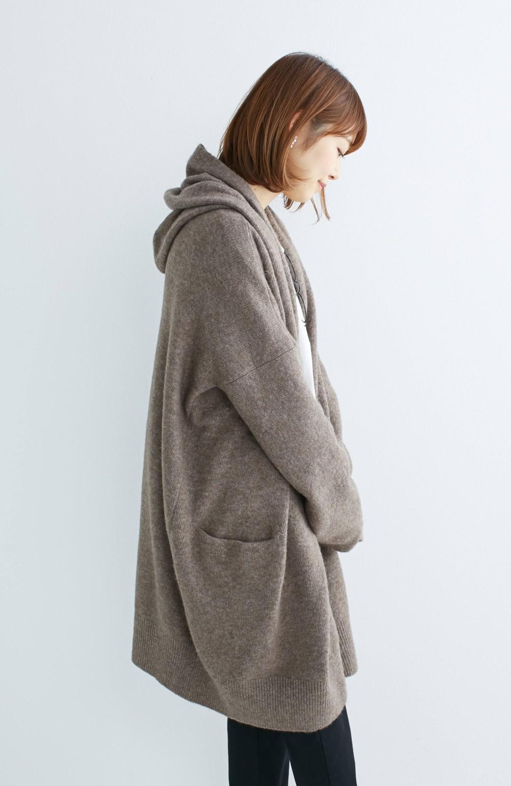 エムトロワ ぱっと羽織るのに便利な軽くてあったかいニットガウンコート <ブラウン>の商品写真3