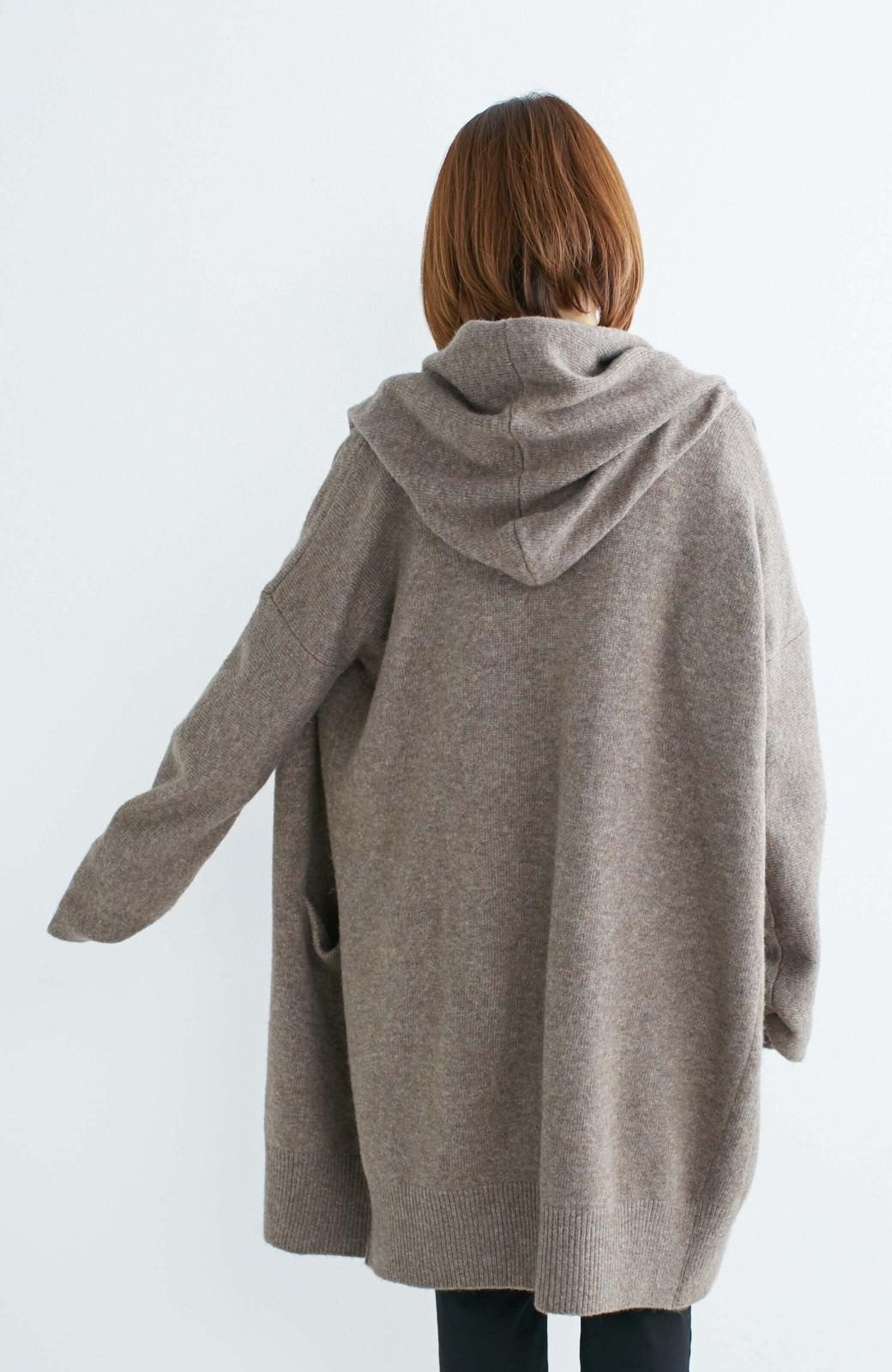 エムトロワ ぱっと羽織るのに便利な軽くてあったかいニットガウンコート <ブラウン>の商品写真5