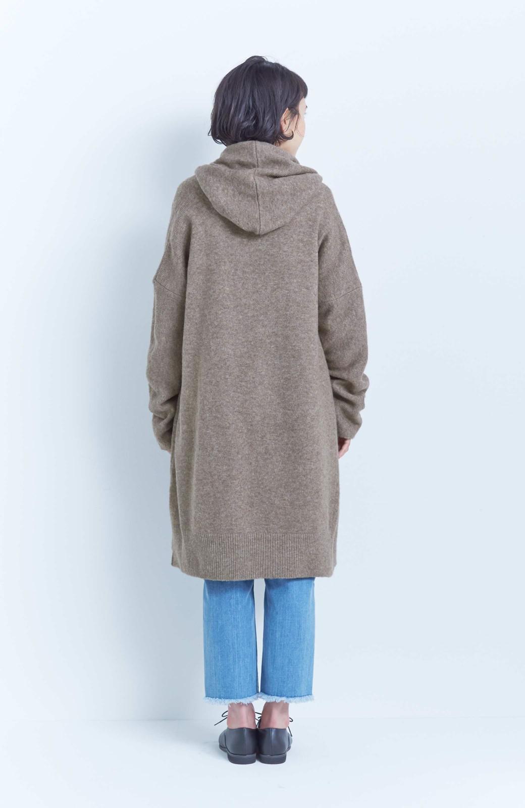 エムトロワ ぱっと羽織るのに便利な軽くてあったかいニットガウンコート <ブラウン>の商品写真15