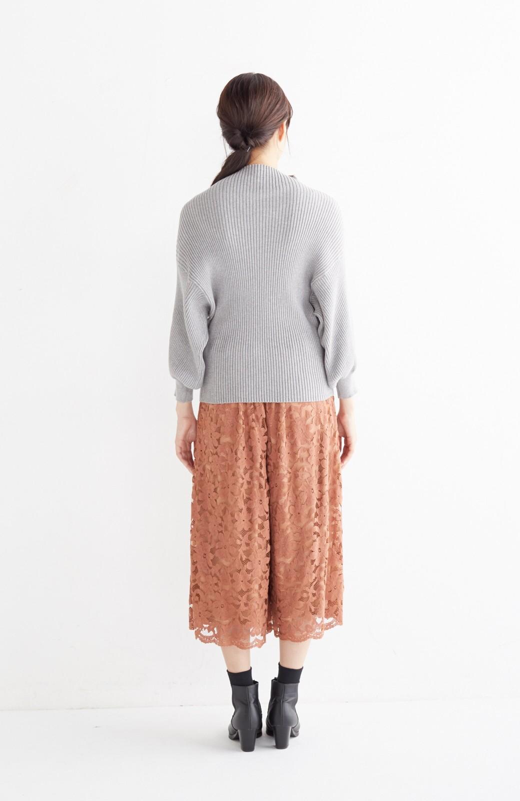 エムトロワ PBP 素肌に贅沢 カシミア混のオーガニックコットン袖ぷっくりリブニット <杢グレー>の商品写真9