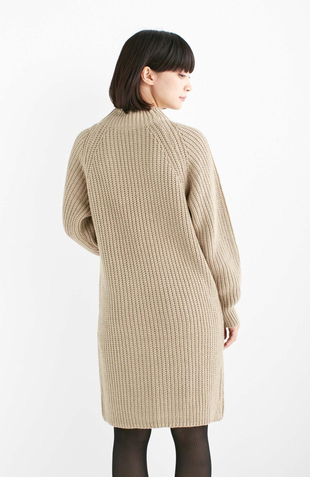 エムトロワ 重ね着もかわいいざっくりニットワンピース <ベージュ>の商品写真11