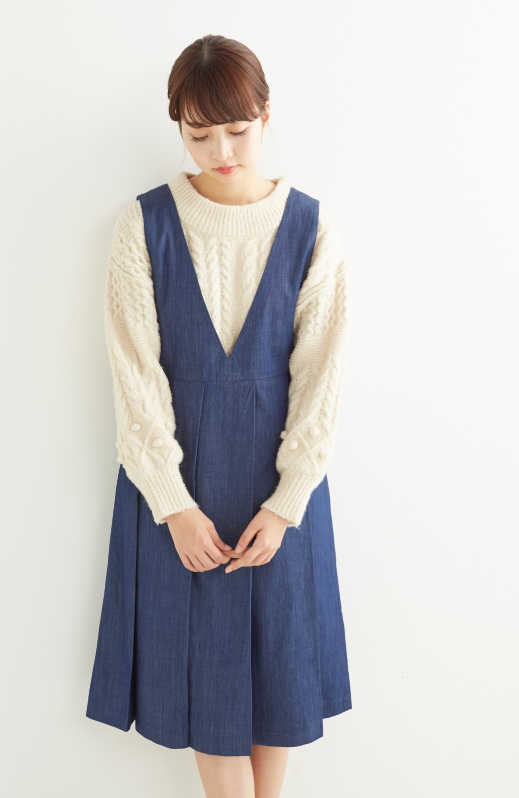 nusy やわらか麻混デニム素材のビッグプリーツジャンパースカート <インディゴブルー>の商品写真8