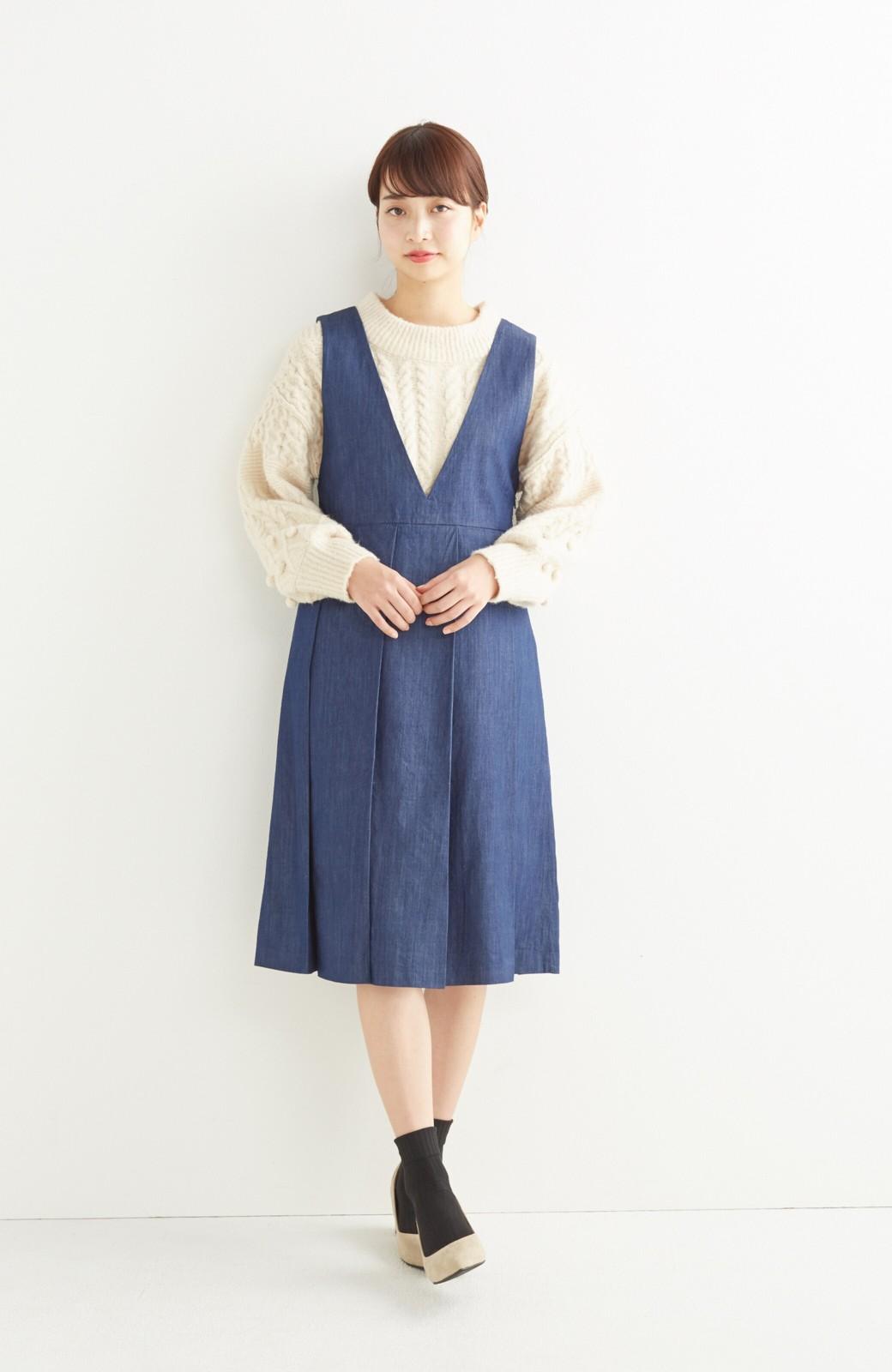 nusy やわらか麻混デニム素材のビッグプリーツジャンパースカート <インディゴブルー>の商品写真5