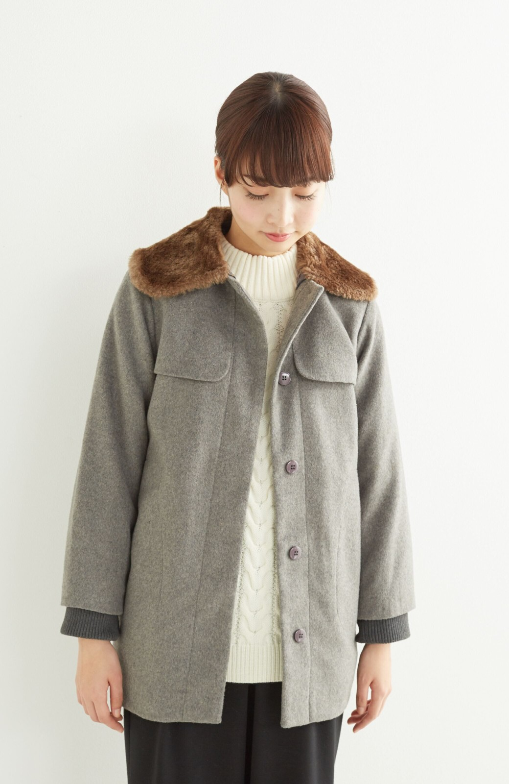 pilvee 取り外しフェイクファー衿付き ウール混のノーカラーコート <グレー>の商品写真12