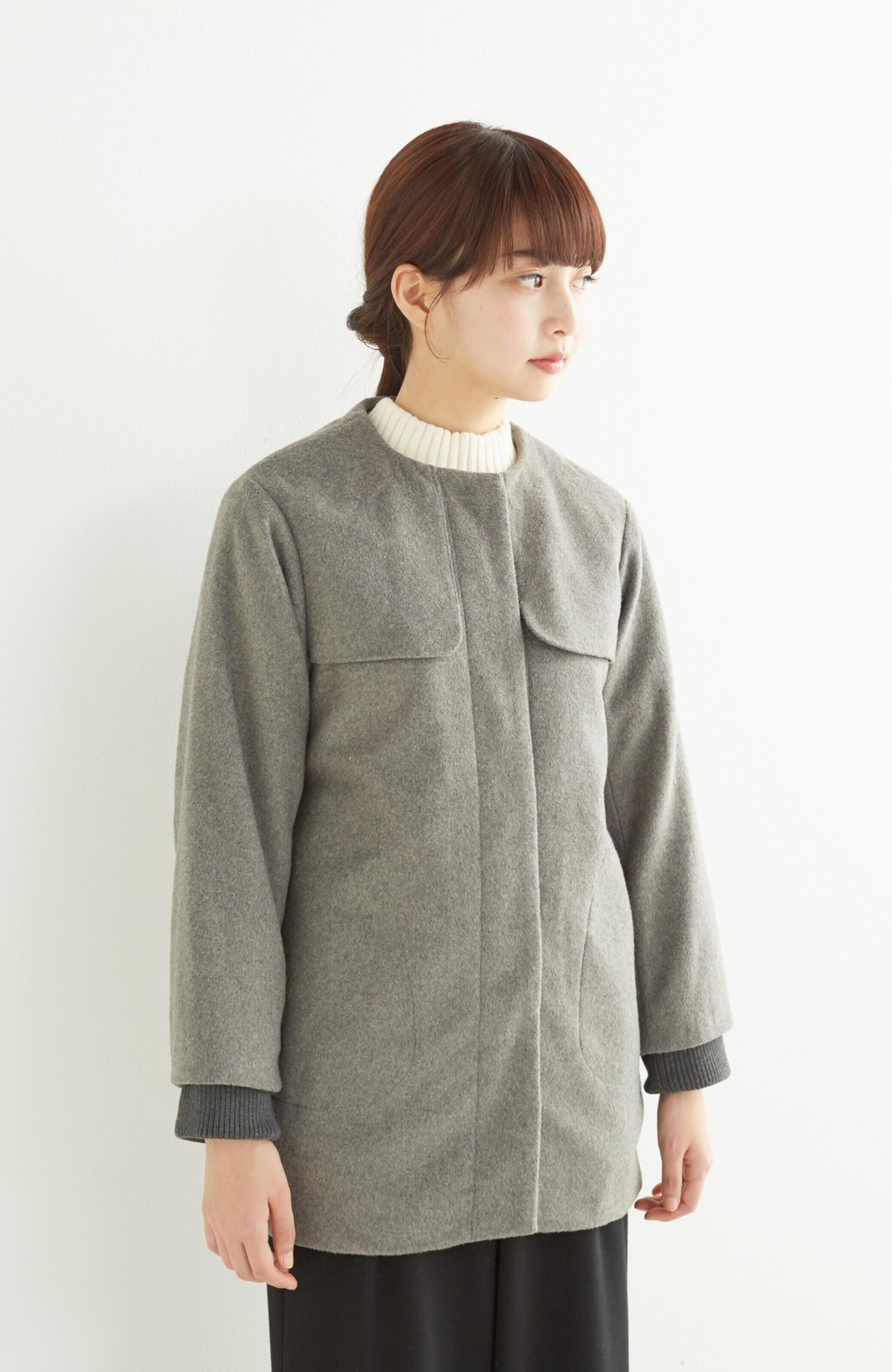 pilvee 取り外しフェイクファー衿付き ウール混のノーカラーコート <グレー>の商品写真16