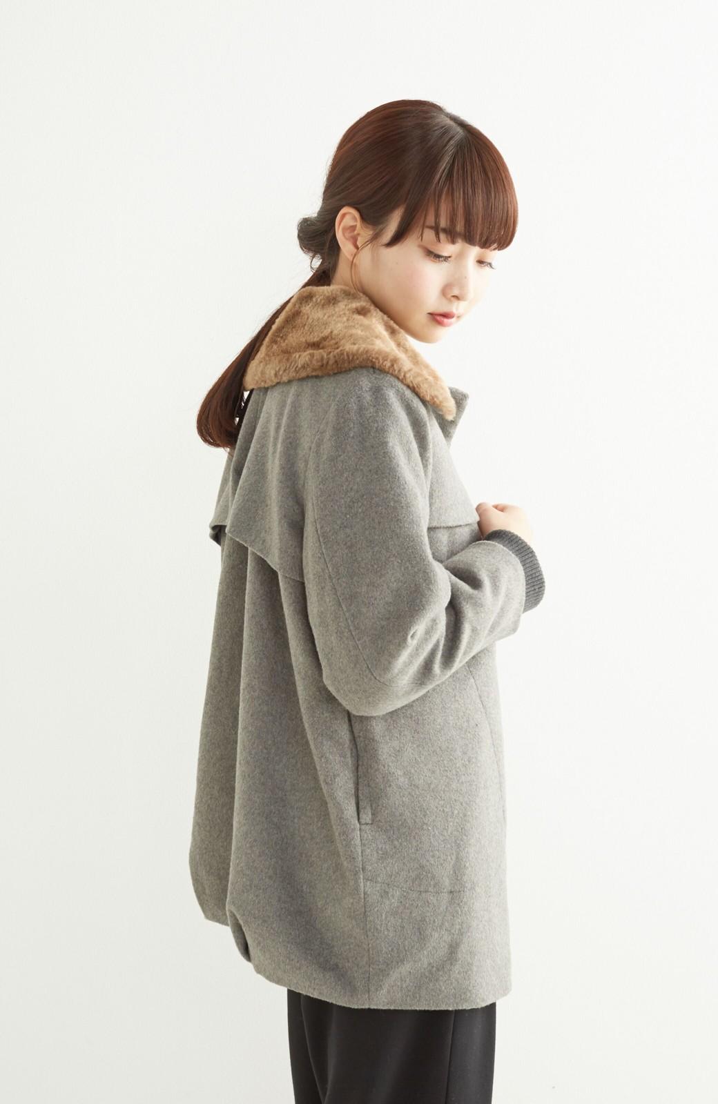 pilvee 取り外しフェイクファー衿付き ウール混のノーカラーコート <グレー>の商品写真17