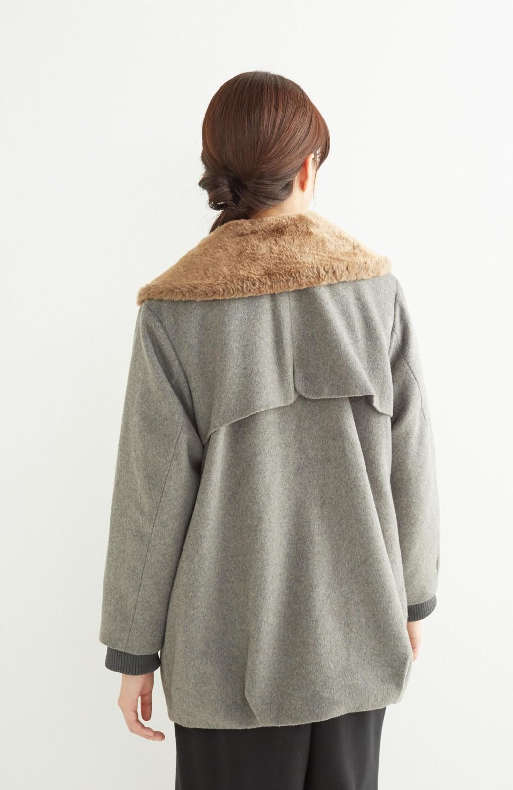 pilvee 取り外しフェイクファー衿付き ウール混のノーカラーコート <グレー>の商品写真18