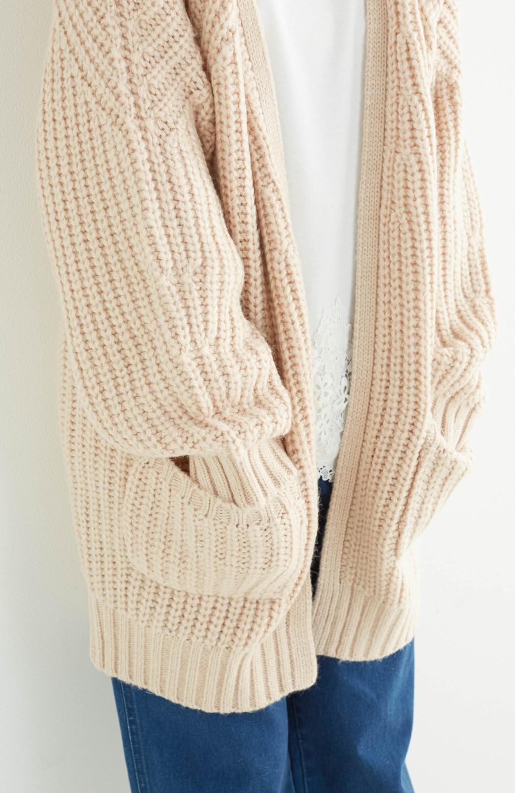 エムトロワ ぱっと羽織るのに便利なざっくり編みカーディガン <ライトベージュ>の商品写真14