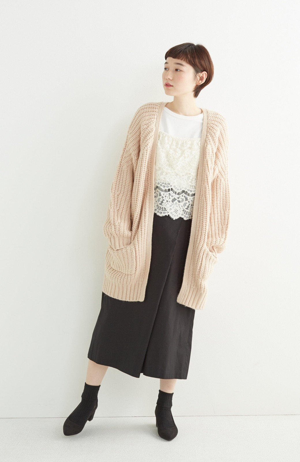 エムトロワ ぱっと羽織るのに便利なざっくり編みカーディガン <ライトベージュ>の商品写真3