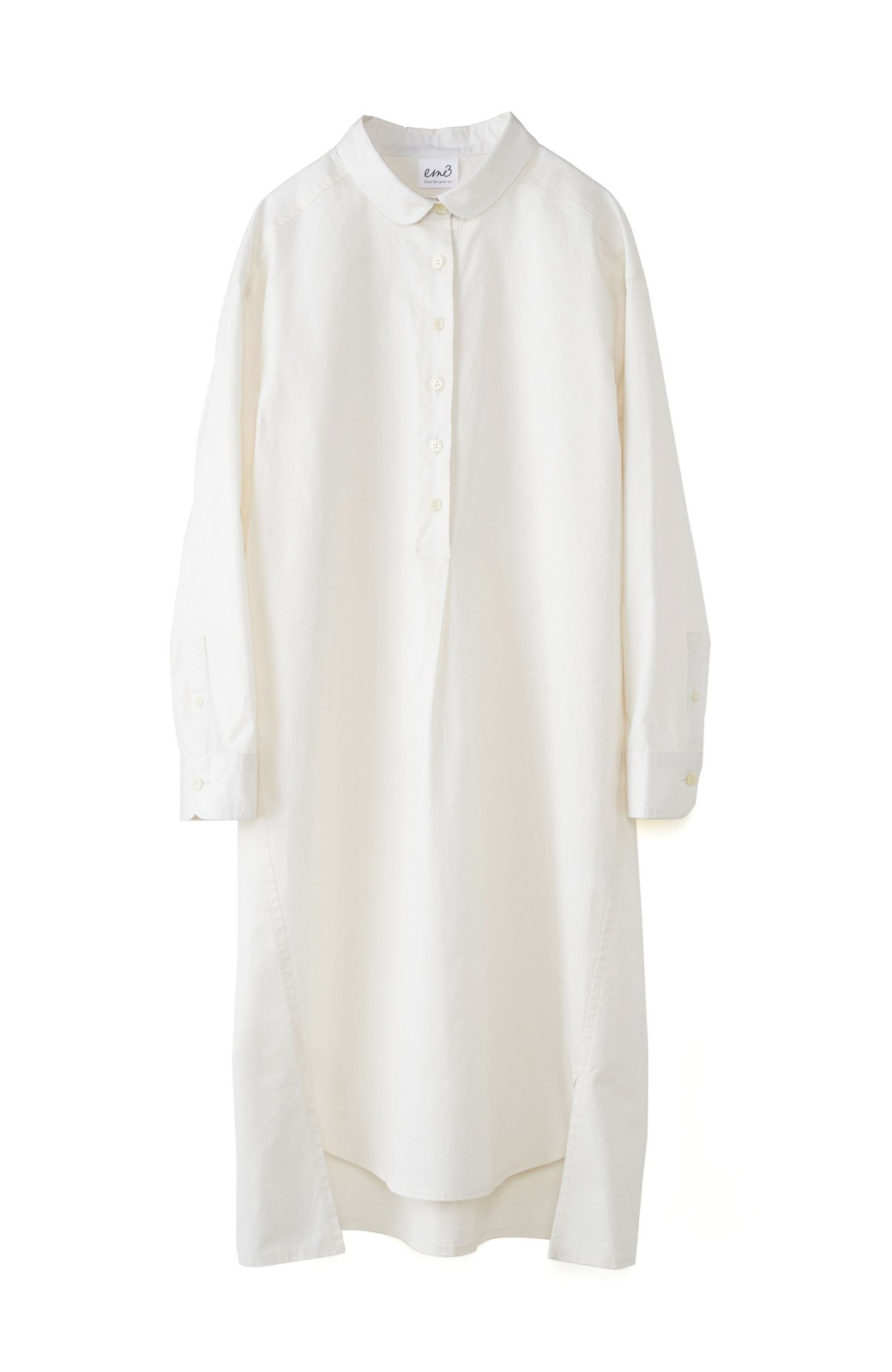 エムトロワ 長い季節使える 重ね着にも便利な丸衿シャツワンピース <ホワイト>の商品写真1