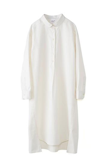エムトロワ 長い季節使える 重ね着にも便利な丸衿シャツワンピース <ホワイト>の商品写真