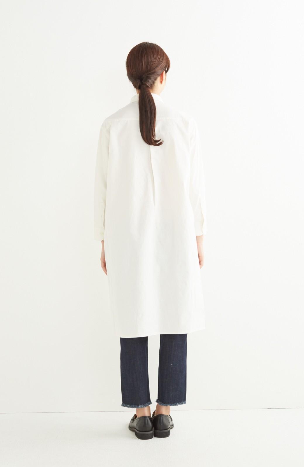 エムトロワ 長い季節使える 重ね着にも便利な丸衿シャツワンピース <ホワイト>の商品写真9