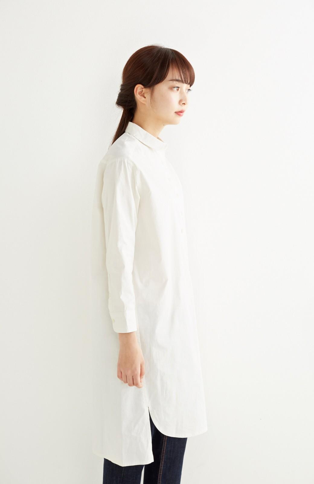エムトロワ 長い季節使える 重ね着にも便利な丸衿シャツワンピース <ホワイト>の商品写真15