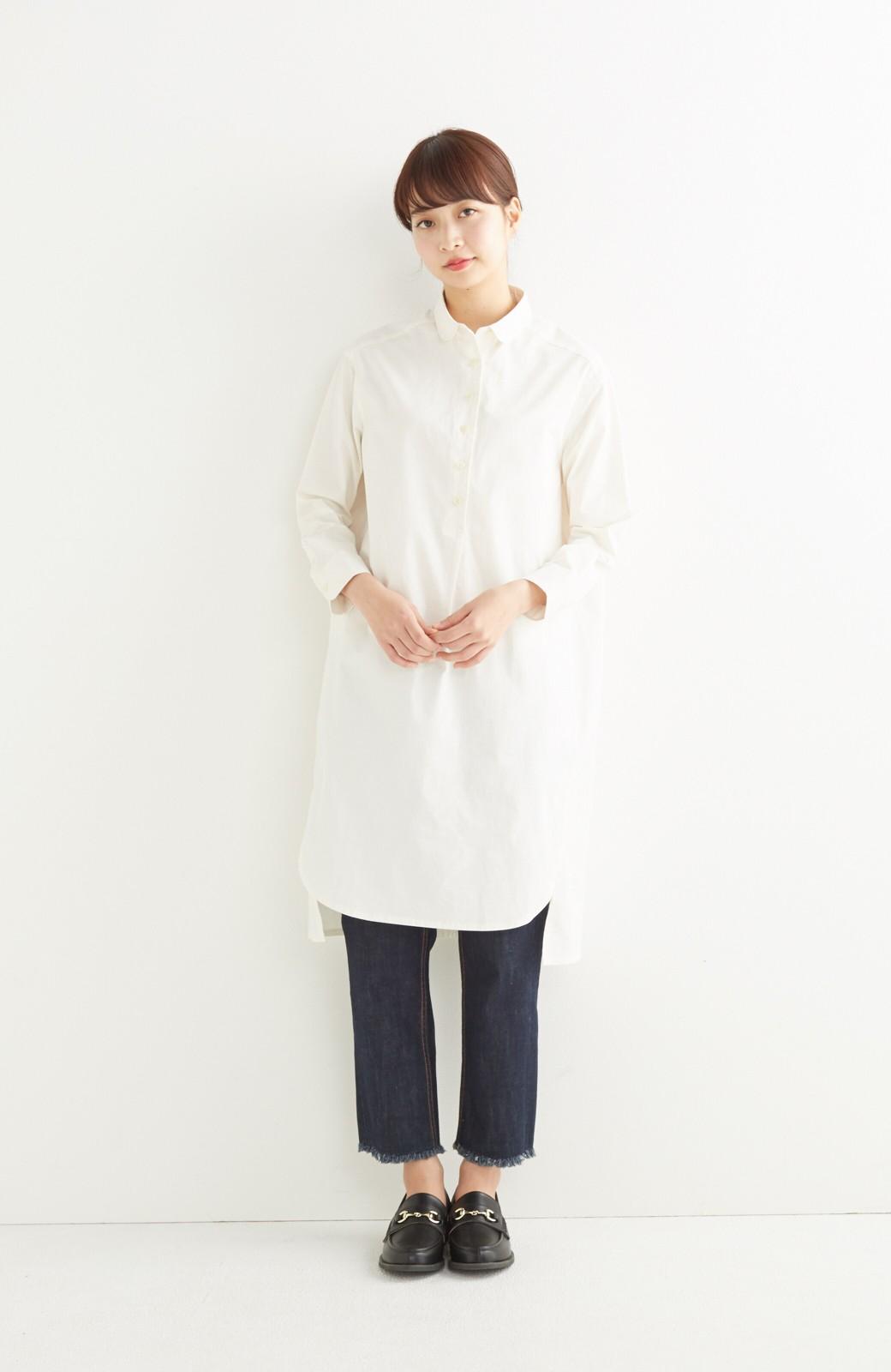 エムトロワ 長い季節使える 重ね着にも便利な丸衿シャツワンピース <ホワイト>の商品写真5