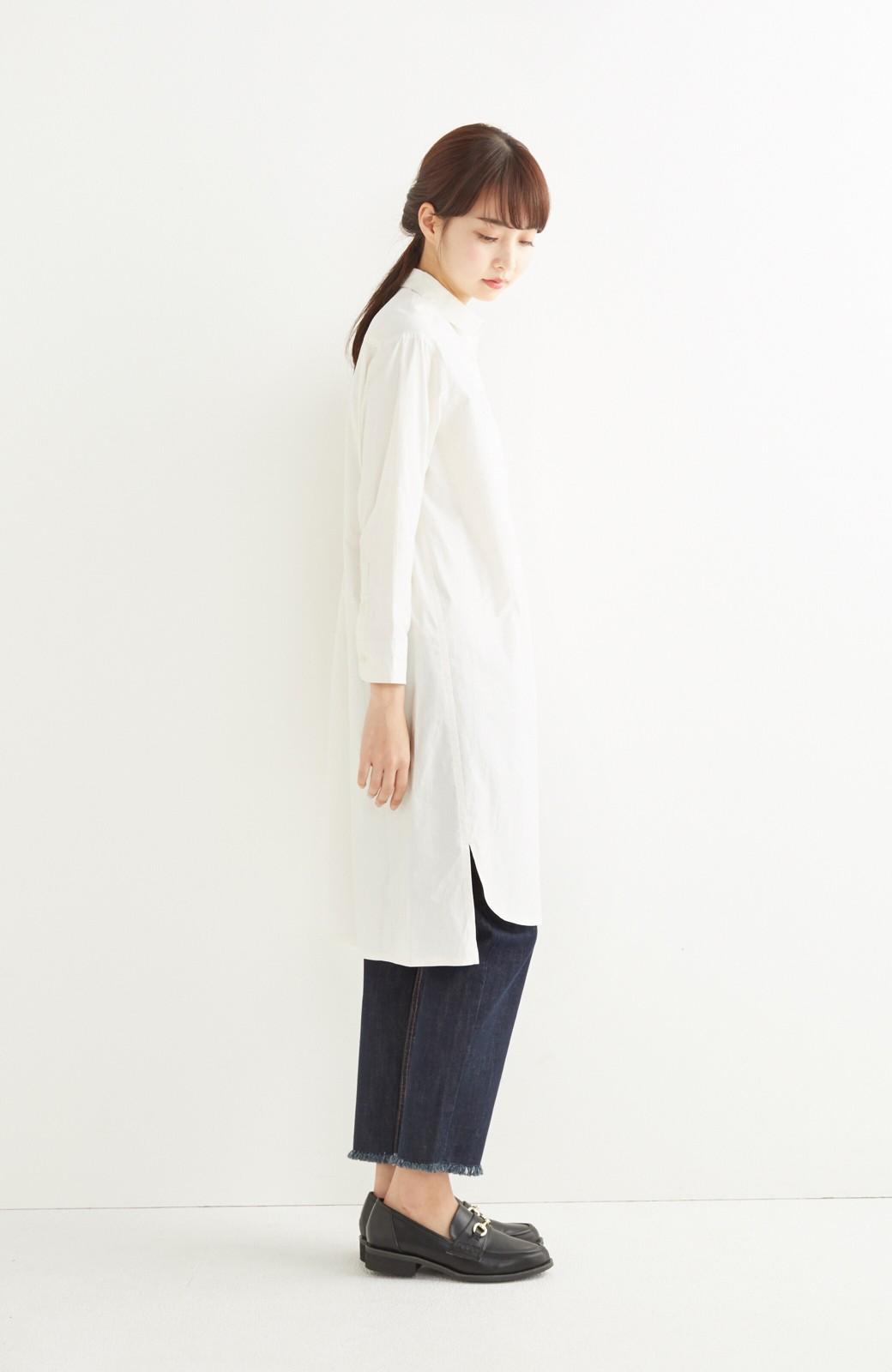 エムトロワ 長い季節使える 重ね着にも便利な丸衿シャツワンピース <ホワイト>の商品写真8