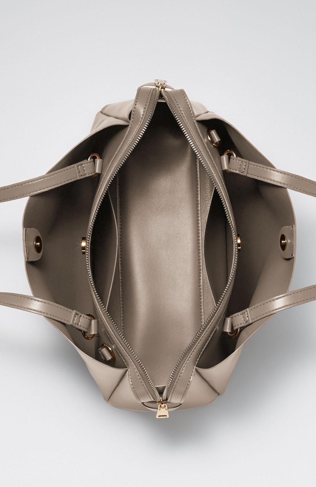 haco! 実用的で気分華やぐペールトーンの2WAYトートバッグ <グレイッシュベージュ>の商品写真4