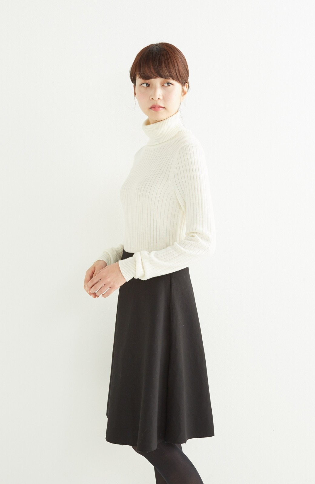 エムトロワ 定番ブラックと華やかレースのリバーシブルフレアースカート <ブラック>の商品写真19