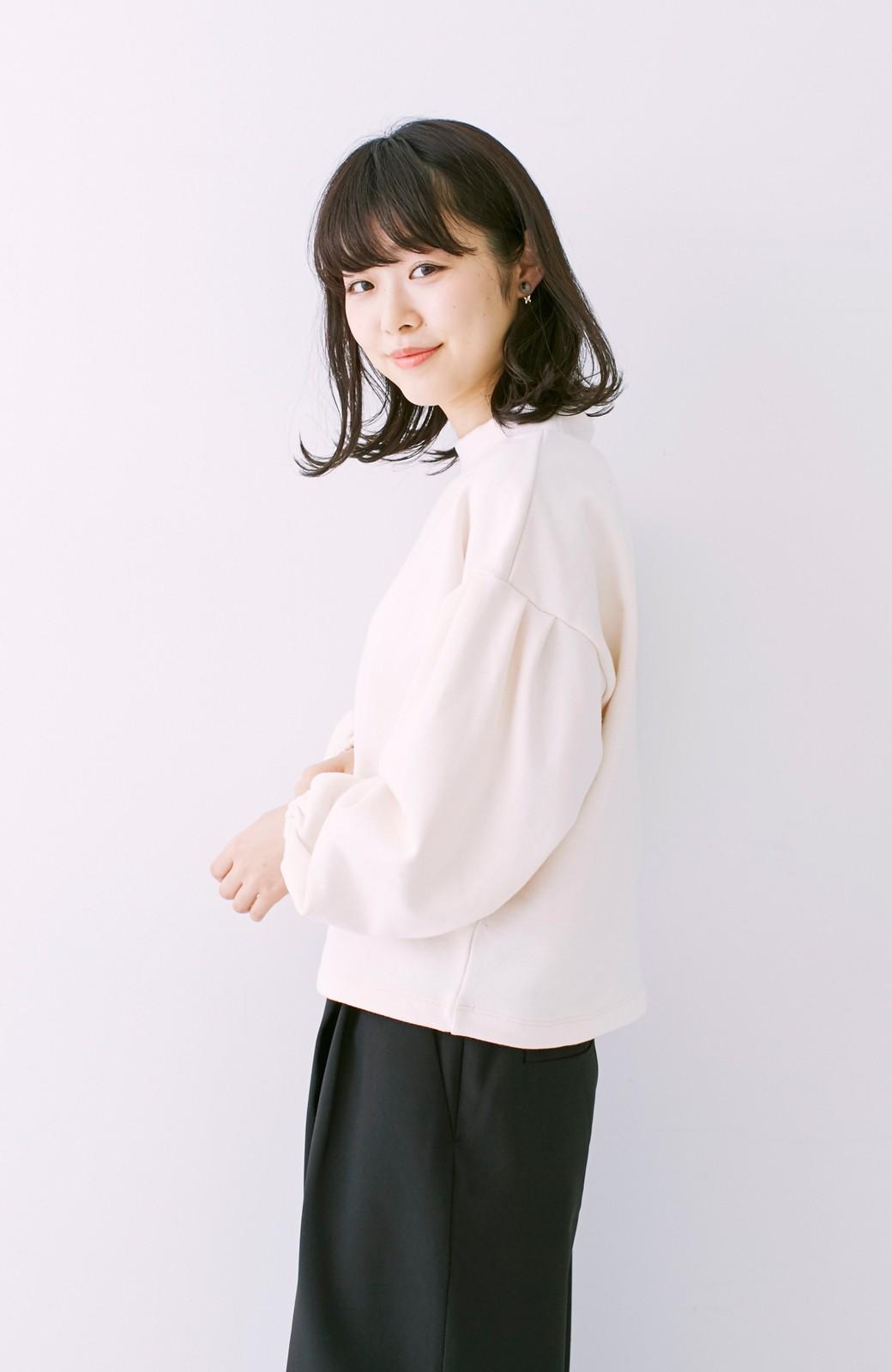 nusy 袖ふくらみ感が女っぽいボトルネックスウェット <アイボリー>の商品写真10
