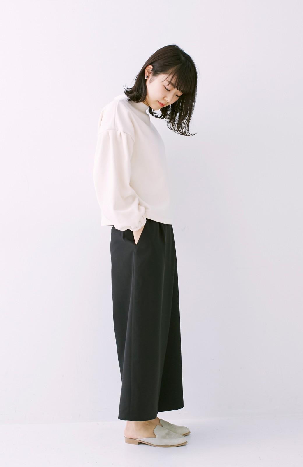 nusy 袖ふくらみ感が女っぽいボトルネックスウェット <アイボリー>の商品写真6