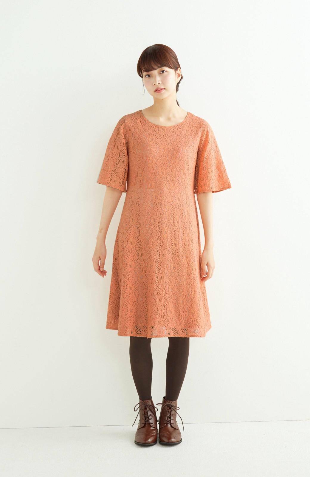 エムトロワ 結婚式にも便利 1枚で着てきれいなレースワンピース <オレンジ>の商品写真3