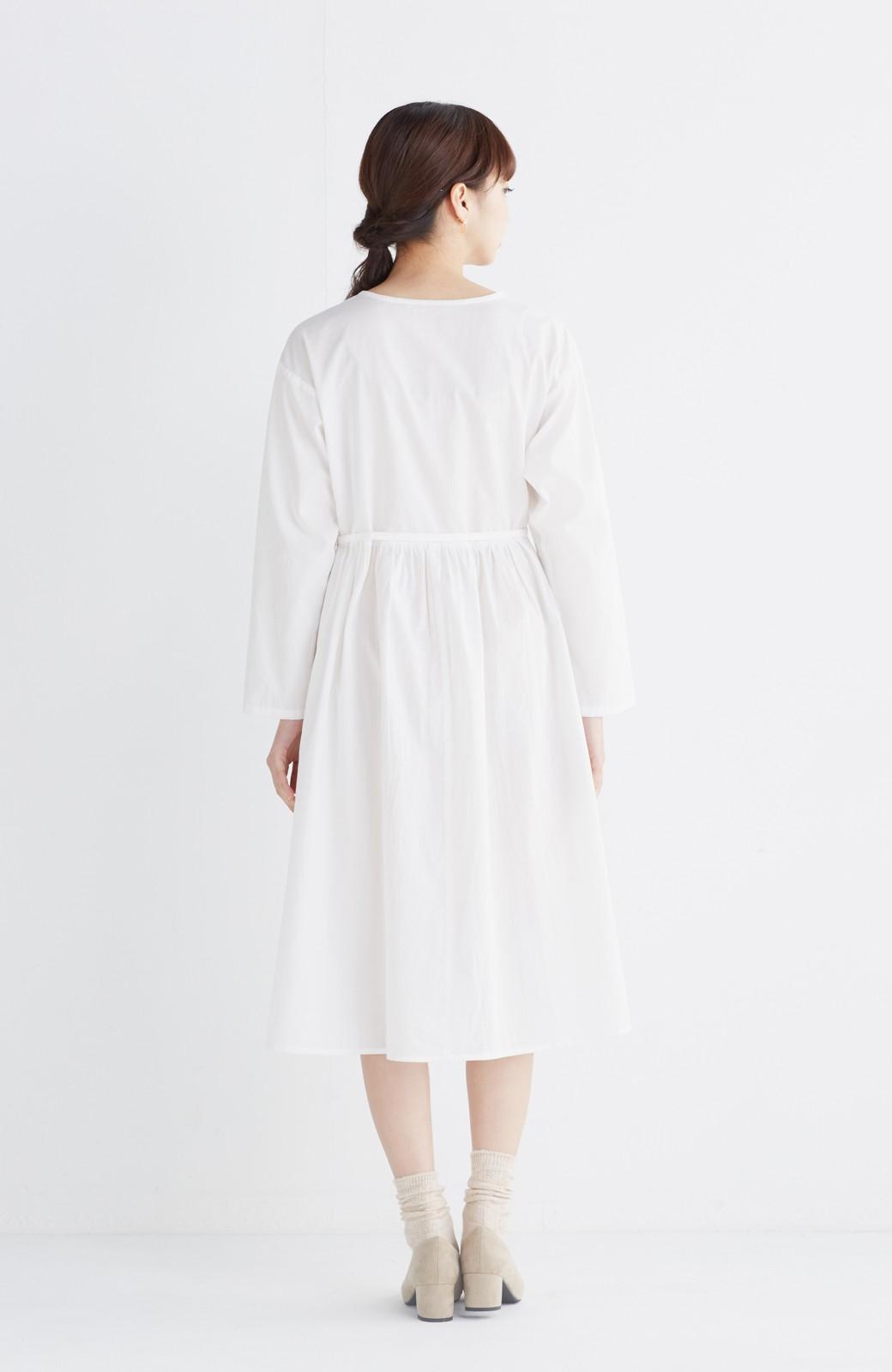 エムトロワ 羽織りにもなるスカラップレースカシュクールワンピース <ホワイト>の商品写真8