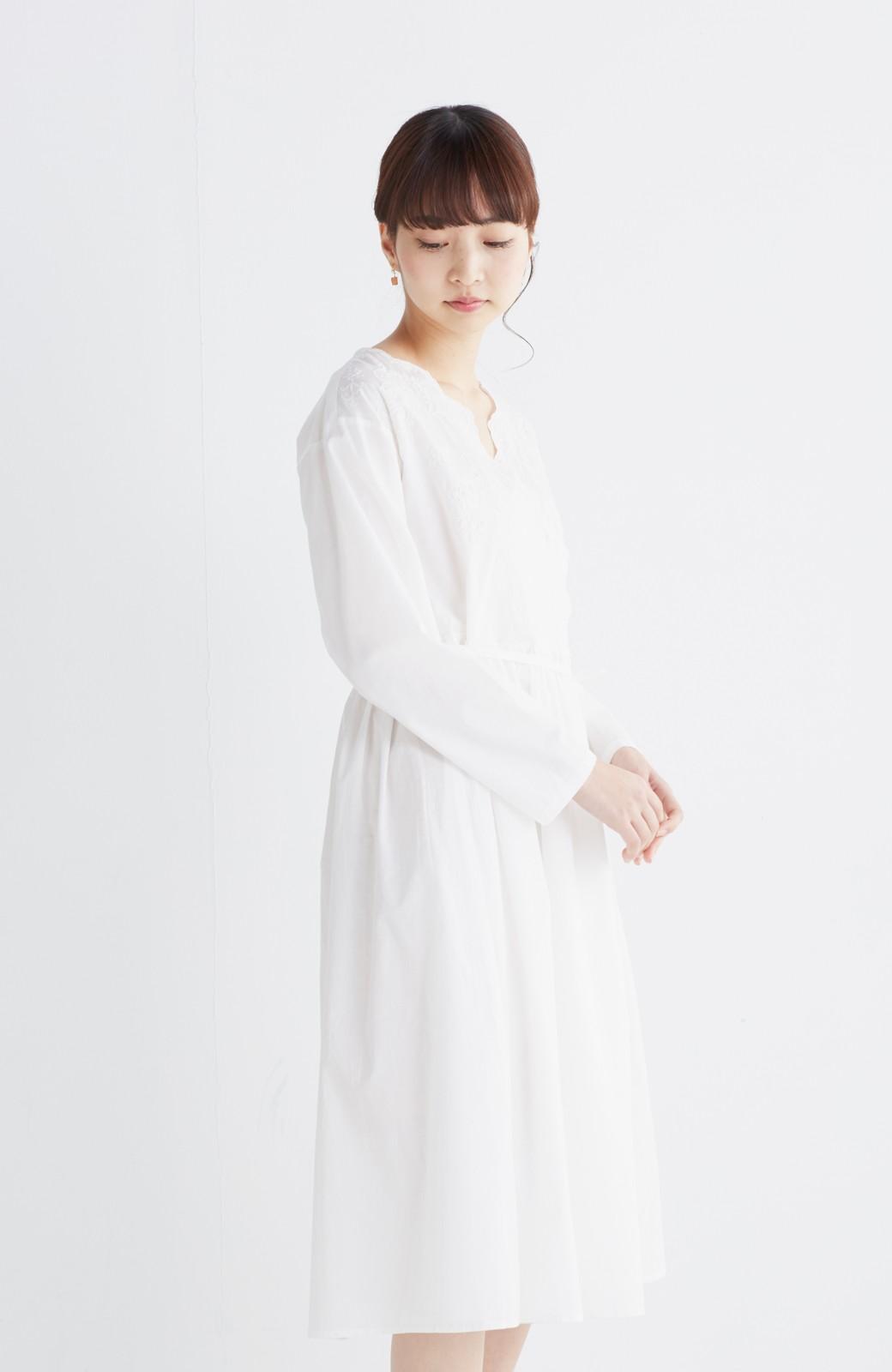 エムトロワ 羽織りにもなるスカラップレースカシュクールワンピース <ホワイト>の商品写真13