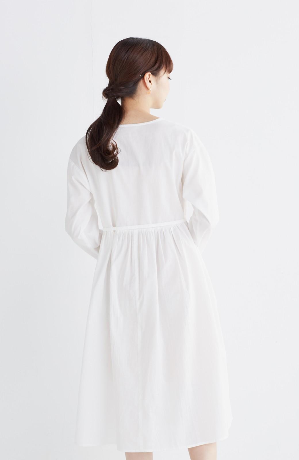エムトロワ 羽織りにもなるスカラップレースカシュクールワンピース <ホワイト>の商品写真14
