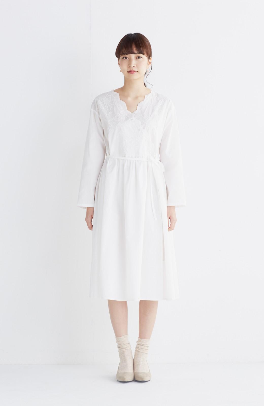 エムトロワ 羽織りにもなるスカラップレースカシュクールワンピース <ホワイト>の商品写真3