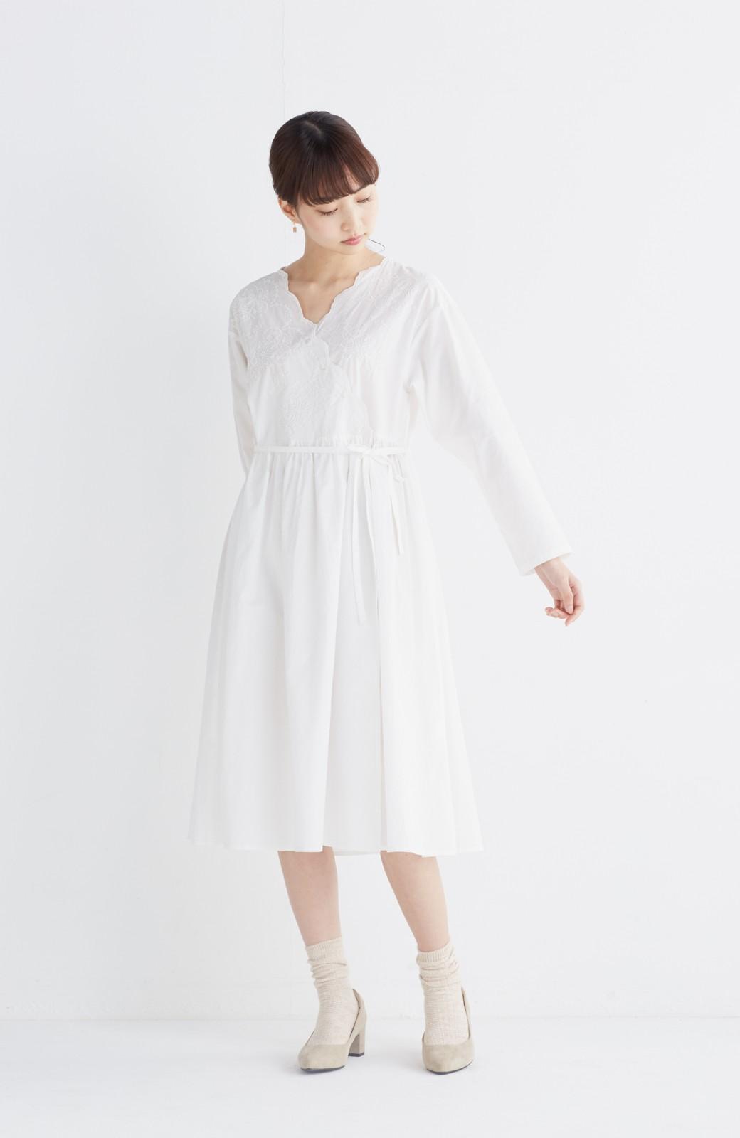 エムトロワ 羽織りにもなるスカラップレースカシュクールワンピース <ホワイト>の商品写真4