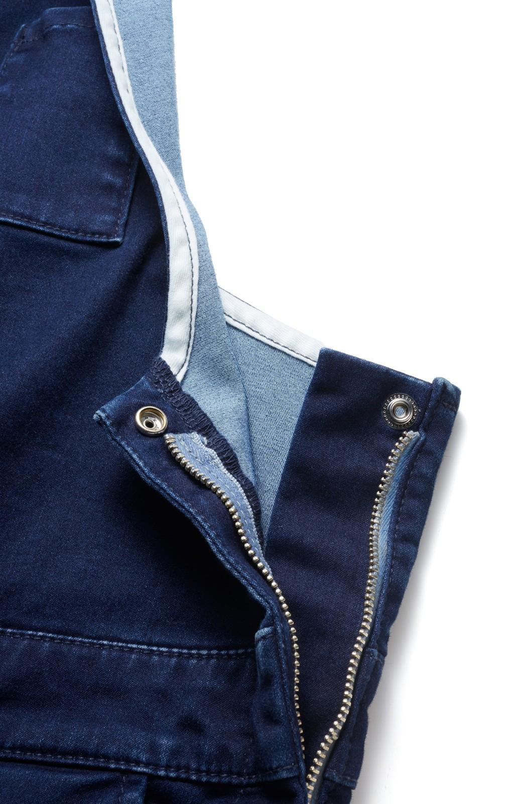 エムトロワ 大人デザインの動きやすいストレッチデニムサロペット <ダークインディゴブルー>の商品写真3