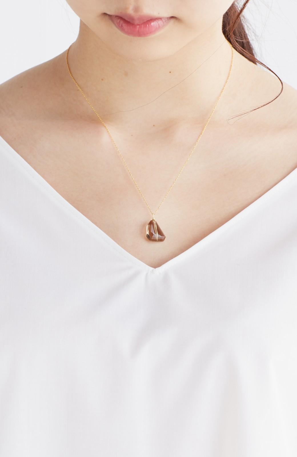 haco! お守りのようにそっと身に付けたい 華奢なチェーンの天然石ネックレス <ブラック系その他>の商品写真5